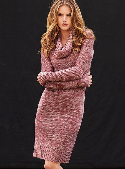 у меня давнишняя идея-фикс - платье вязаное. присмотрела в инете такое...